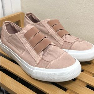 Blowfish Malibu Mandi Dusty Rose Sneakers 8.5sz